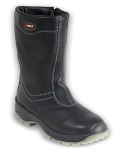 All-terrain safety boots with anti-perforation sole