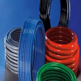 Flexible polyurethane hose