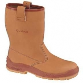 Leather safety boots for the oil industry