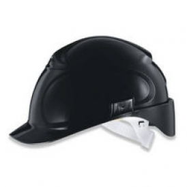 Low temperature protective helmet