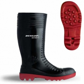 Oil resistant safety boots
